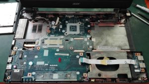 (1) Szybki dysk SSD